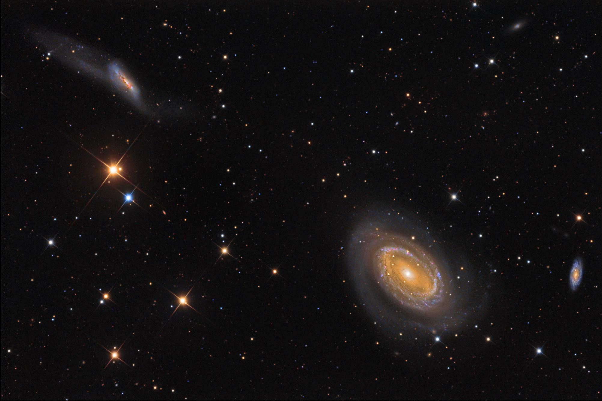 NGC 4725   4747 Galaxi...